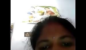 Desi telugu mom boobs n slit show self captured