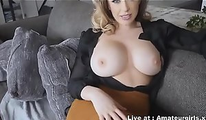 MOM is Catching Her Son Watching Her Measurement Showering And it Turns into SEX - Amateurgirls.xyz
