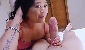 Oriental cougar of age stepmom knows what is tempo abhor fated of him