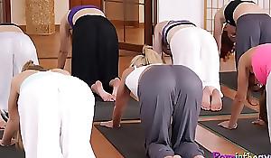 Yoga newborn pussylicked at near triumvirate