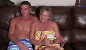 Mommy together with Son, EXCLUSIVE Bar Interview