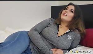 Arab Plumper Masturbation 2