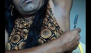 Indian girl wafer armpits hair by straight razor..AVI
